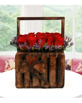 25 RED ROSES HANDLE BASKET
