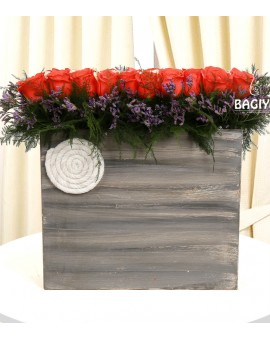ROSES AND WOODEN BOX